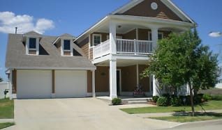949 Charleston Ln, Pilot Point, TX