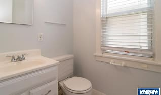 Bathroom, 721 Clarence Ave
