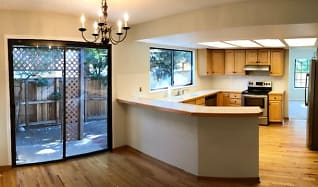 Kitchen, 586 Fox Hunt Circle