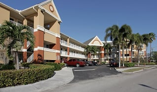 Building, Furnished Studio - Fort Lauderdale - Cypress Creek - Andrews Ave.