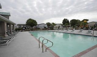 Pool, Woodlake Trails