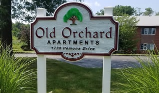 Community Signage, Old Orchard Apartments