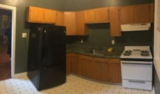 Kitchen, 4801 ridge ave