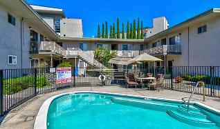 Pool, El Paseo de Saratoga Manor Apartments