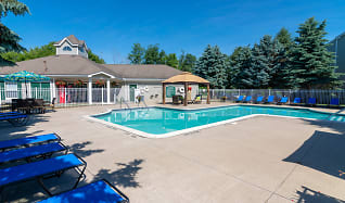 Sundeck and Poolside Cabanas, Waterford Pines in Waterford, MI, Waterford Pines