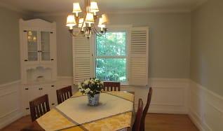 Dining Room, 3200 Mill Pond Road