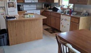 Kitchen, 404 Victory Ave