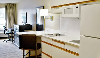 Kitchen, Furnished Studio - Detroit - Southfield - Northwestern Hwy.