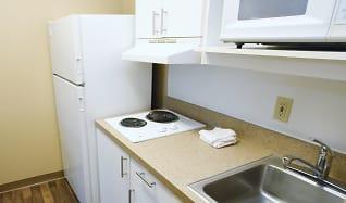 Kitchen, Furnished Studio - Bakersfield - Chester Lane