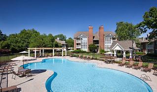 Pool, Addison At Hampton