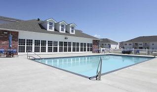 Pool, Whitten Creek Apartments