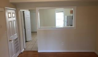 1306 N 28th St, Sandston, VA