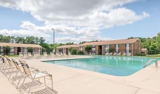 Pool, Marquis Gardens