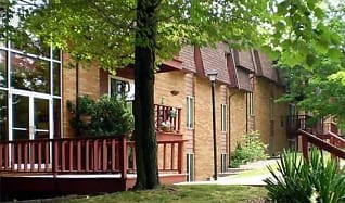 Briarcliff Manor, New Alexandria, OH