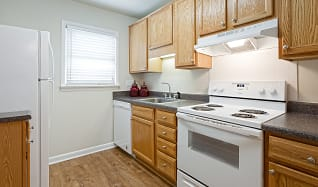 Kitchen, Bent Creek Apartments and Townhomes