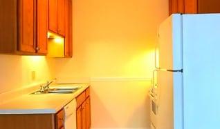 Kitchen, Creekside Apartments