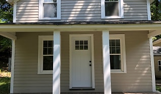 Front of Cottage.jpg, 282 Long Mountain Rd.