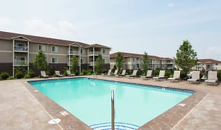 Pool, Elk Hills Apartments