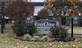 Leasing Office, RiverChase