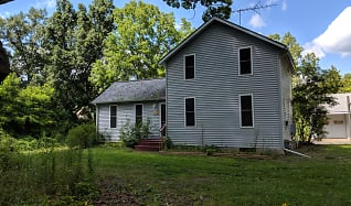 Building, 18236 North Territorial Road