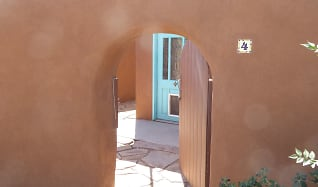 2323 Mountain Rd. NW, Unit #4, Rio Grande Compound, Albuquerque, NM