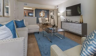 Living Room, Vue at 1400