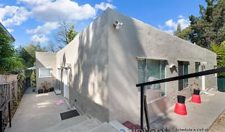 5977 Majestic Ave, Unit C, Maxwell Park, Oakland, CA