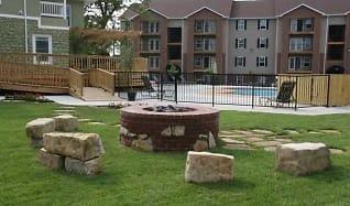 Courtyard, Terrace Green Apartments - Joplin