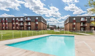 Pool, Bridgewood Estates