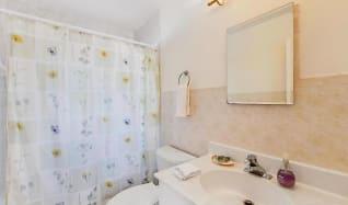 Bathroom, 206 Inlet Way 9