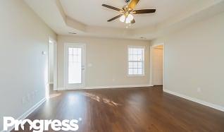 Living Room, 485 County Farm Rd