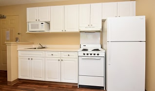 Kitchen, Furnished Studio - San Jose - Edenvale - South