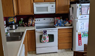 Kitchen, 421 N 580 W