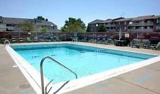 Pool, Beech Pointe Apartments