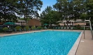 Pool, Fairfield at Selden
