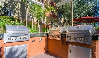 Gas Grills and Barbeque Lounge, Glen Oaks Gardens