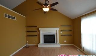 Living Room, 1608 Johnston Dr