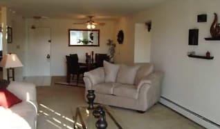 Living Room, Beech Pointe Apartments