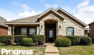 122 Brook Hollow Ln, Red Oak, TX