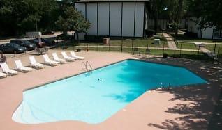 Pool, La Casa Grande Apartments