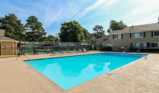 Pool, Royal Oaks