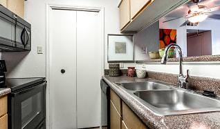 Kitchen, Creekwood Apartments