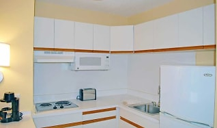 Kitchen, Furnished Studio - St. Louis - Airport - Central