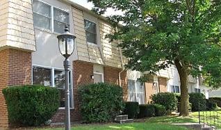 Building, Woodland Park Apartments