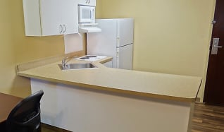 Kitchen, Furnished Studio - Detroit - Southfield - I-696