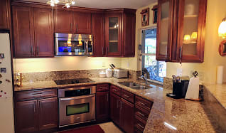 Kitchen, 224 Madison Dr