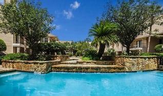 Pool, Vanderbilt Lodge
