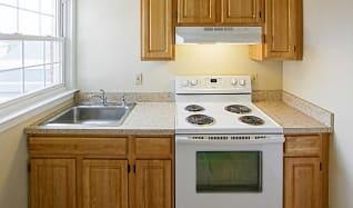 Kitchen, Williamsburg Court Apartments