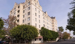 Apartments Under 1000 In Los Angeles Ca Apartmentguide Com
