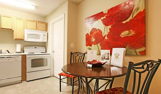 Dining Room, Campus East Student Housing